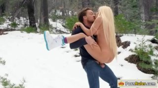 Gf riding her guys dick in the snow